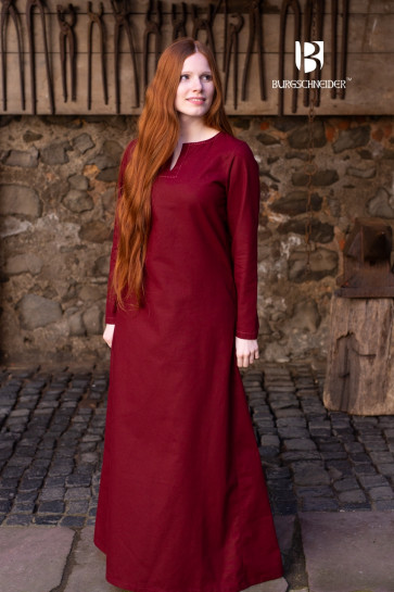 Burgundy Viking Underdress Feme by Burgschneider