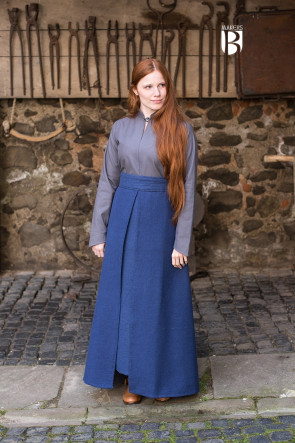 Outfit für LARP mit Rock Mera